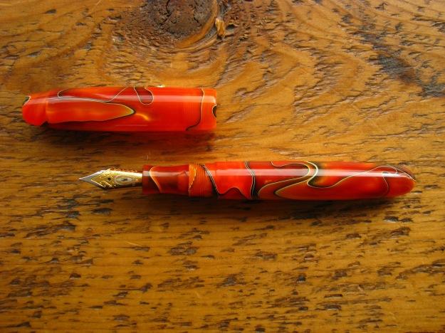 Edison Pen Company Collier in Persimmon Swirl