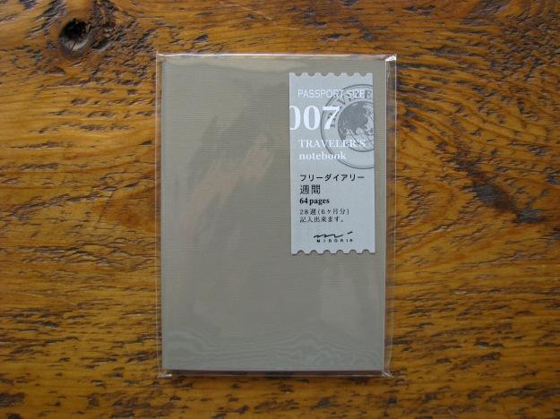 Midori Weekly Diary for Passport Size Traveler's Notebook 007