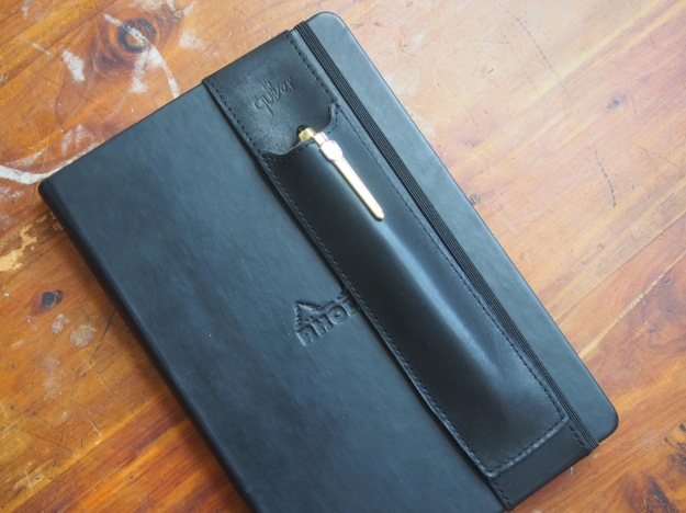 Quiver Leather Pen Holder Black at WonderPens.ca