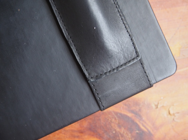 Quiver Leather Pen Holder in Black at WonderPens.ca
