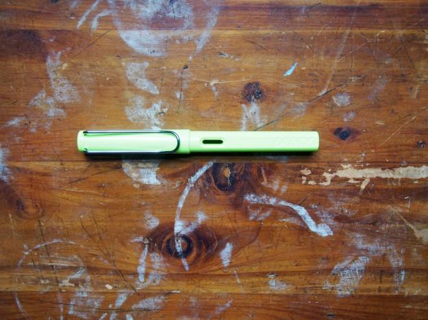 Lamy Safari Special Edition Fountain Pen Neon Lime Green WonderPens.ca